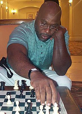 Glenn Bady analyzing game against Bill Calton.