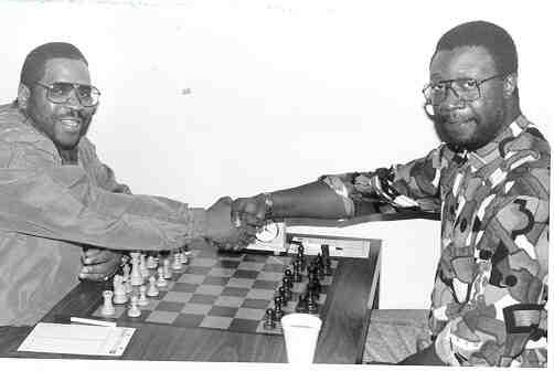 NM Norman 'Pete' Rogers vs. NM George O. Umezinwa. Copyright © 2001, Jerry Bibuld.