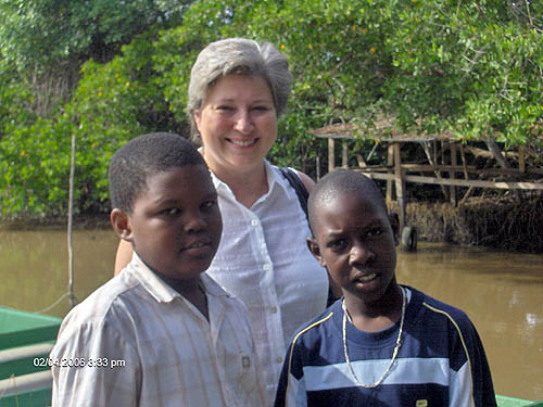Debbie Keller with Keno and Jahzain. Copyright © 2006, Lesley-ann Nelson.