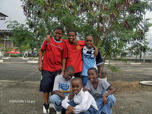 Team members of Kids Chess. Copyright © 2006, Lesley-ann Nelson.