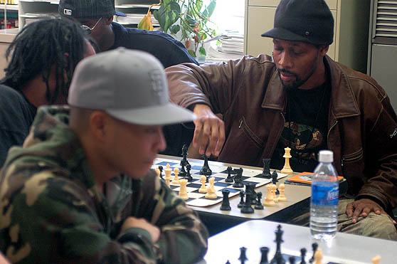 DJ QBert and RZA battling on the 64s.