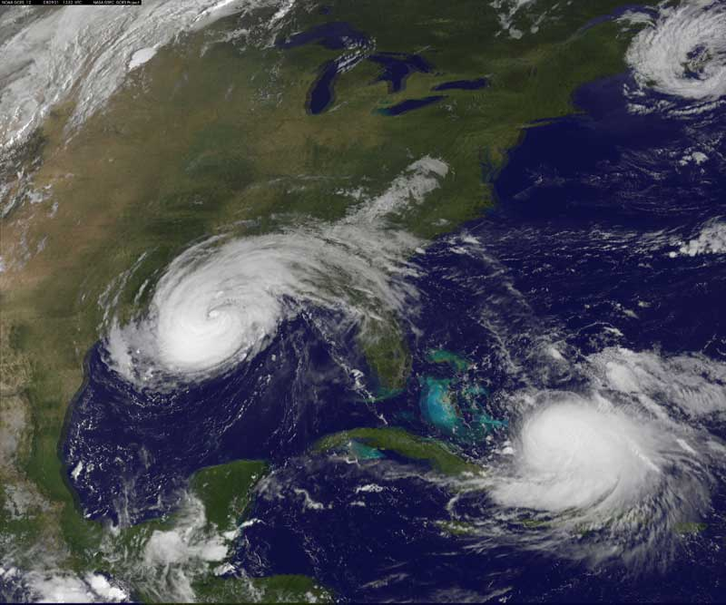 Hurricane Gustav battering Dominican Republic