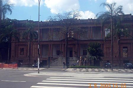 Pinacoteca Art Museum. Copyright © 2004, Daaim Shabazz.