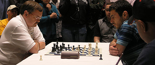 Jaan Ehlvest blitzing Gabriel Sargissian for the tiebreaker. Photo by Daaim Shabazz.