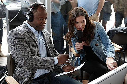GM Maurice Ashley and Liv Tyler watching the action.