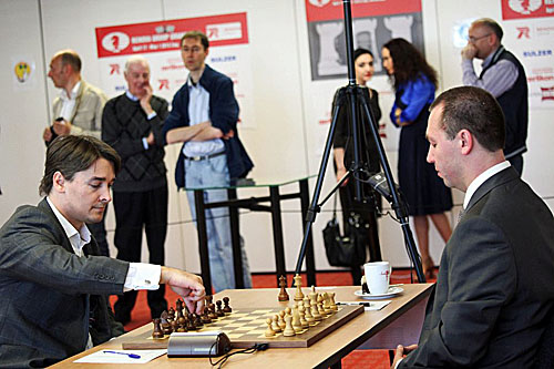 Alexander Morozevich vs. Gata Kamsky. Kamsky won with a crushing attack.