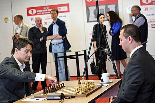 Alexander Morozevich vs. Gata Kamsky. Kamsky won with a crushing attack.