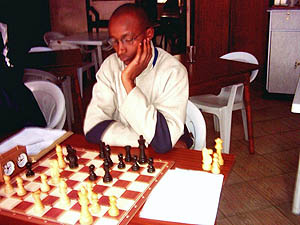 Matthew Kanegeni  was the only player who managed to grab a point from the Champion Gohil. He in turn lost to Martin Gateri who lost to Makatia in an exciting tension packed match. Copyright © Alex Makatia, 2005.