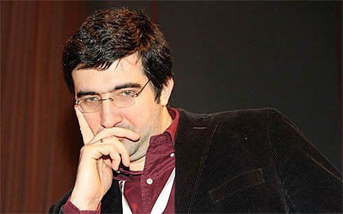Vladimir Kramnik strikes a classic pose. Photo by Frederic Friedel.