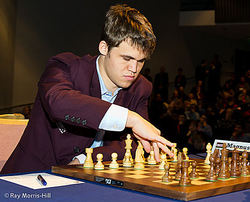 Magnus Carlsen broke the all-time rating record of Garry Kasparov scoring a convincing win over rating rival Levon Aronian. He now tips the scales on the live chart at 2856.