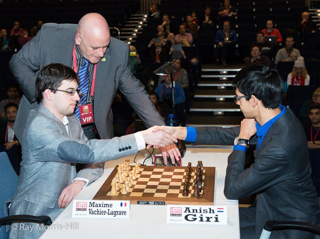 In a strange format, MVL and Giri face off in a qualifier for the final. Photo by Ray Morris-Hill.