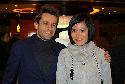 GMs Levon Aronian (Armenia) and Hou Yifan (China)