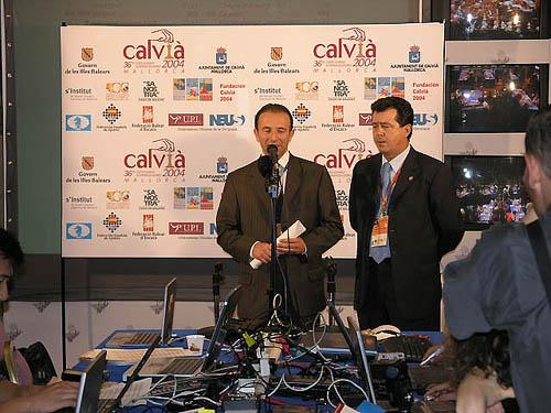 The Honorable Carlos Delgado, the mayor of Calvià accompanied by Juan Fernandez, mayor of Linares.