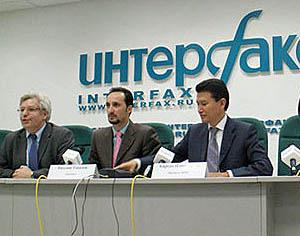 FIDE World Champion Veselin Topalov with Kirsan Ilyumzhinov at press conference for unification match.