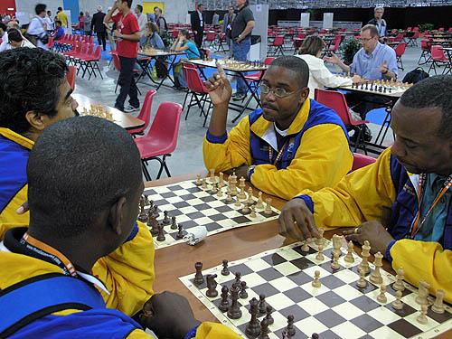 Bajan players analyzing. Copyright © 2006, Daaim Shabazz.