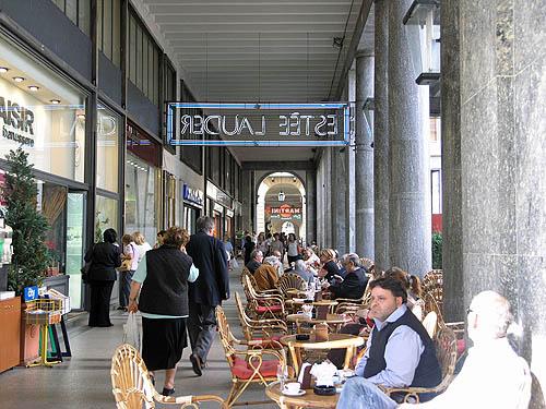 Cafe in downtown Turin (Torino). Copyright © 2006, Daaim Shabazz.