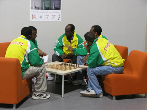 Ethiopian strategy session prior to round #1. Copyright © 2006, Daaim Shabazz.