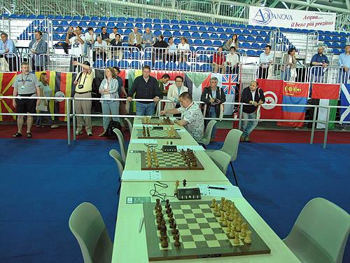Russian Champion Sergei Rublevsky getting set… on board #6, not board #1! Copyright © 2006, Daaim Shabazz.