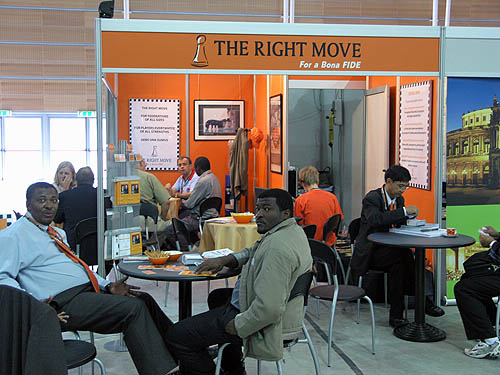 Jackie Ngubeni and Charles Eichab at the Right Move booth. Copyright © 2006, Daaim Shabazz.