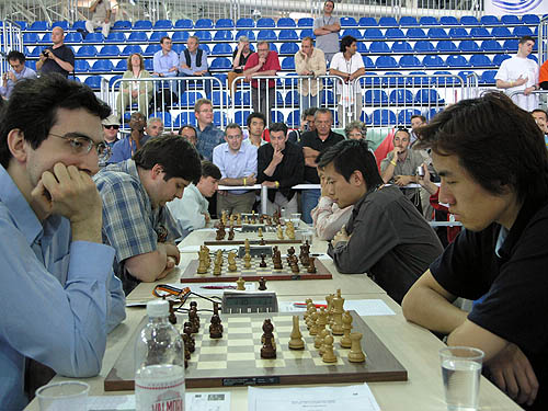 Russia's Vladimir Kramnik leads onslaught against China. Photo by Daaim Shabazz.