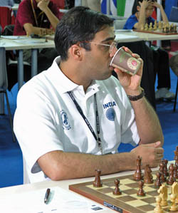 Viswanathan Anand will need to find a way to rally his troops if there is to be a chance for a medal in 2006. Photo by Daaim Shabazz.
