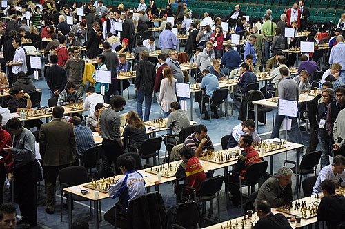 Round #2 of 2010 Chess Olympiad in session. Photo by ugra-chess.com.