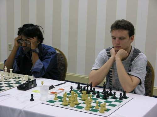 Siddharth Ravichandran vs. GM Timur Gareev. Photo by Daaim Shabazz.