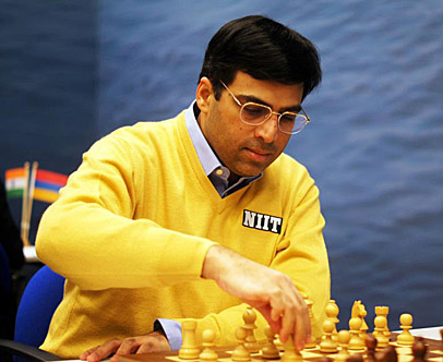 Viswanathan Anand rolled back the clock 20 years... or maybe 106 years. Photo by tatasteelchess.com.