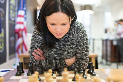 Viktorija Ni tried the Dzindzi-Indian, but got nowhere against Irina Krush. Photo by Lennart  Ootes.