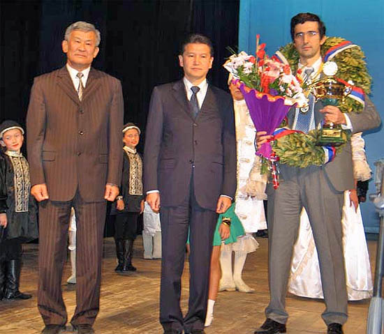 Unified World Champion Vladimir Kramnik (far right) with FIDE President Kirsan Ilyumzhinov (middle) and match official on the left (unnamed). Photo by Casto Abundo.
