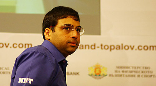 Anand is on a roll... wins again with 'Killer Catalan'! Photo by Europe-Echecs.com.