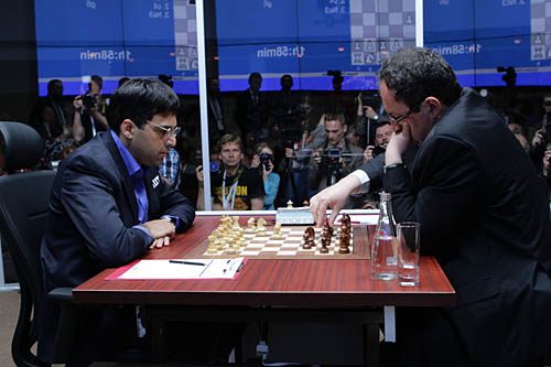 Anand is about to face Gelfand's Grunfeld Defense. Photo by Alexey Yushenkov.