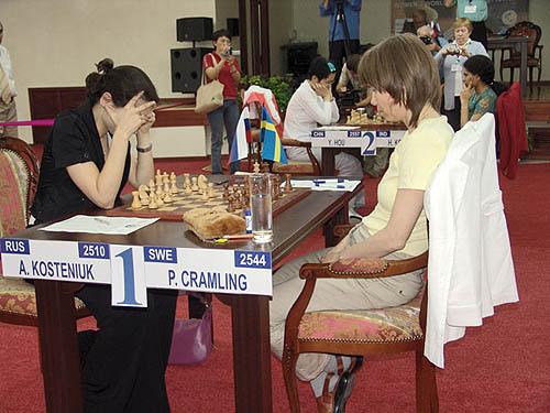 Semifinal Battles in progress! Kosteniuk vs. Cramling... Hou vs. Koneru