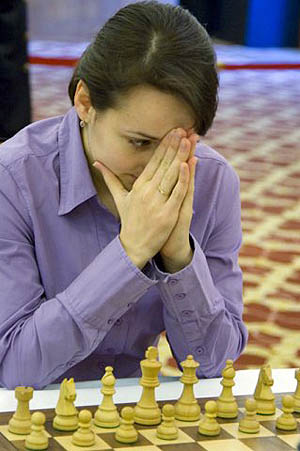 Blitz Champion Kateryna Lahno will need more than a prayer to take the match to blitz tiebreaks after loss.