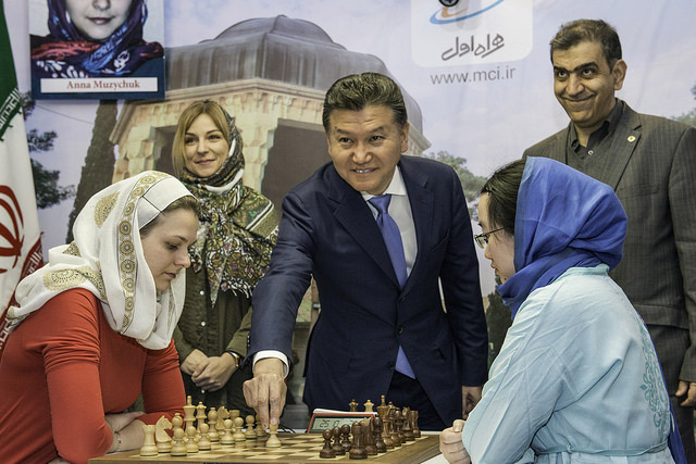 Kirsan Ilyumzhinov making ceremonial move in World Women's Championship final. Photo by David Llada.