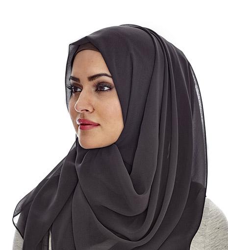 نوع حجاب و پوشش من به شما ربطی ندارد!