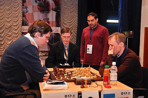Vladimir Malakhov takes on Ruslan Ponomariov in the FIDE World Cup semi-finals.
