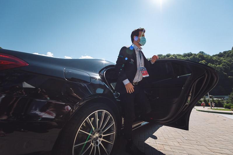 Magnus Carlsen arriving for his game. Photo by Anastasia Korolkova