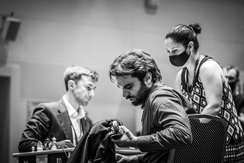 Agony of defeat. Sam Shankland after losing to Sergey Karjkin. Photo by Eric Rosen.