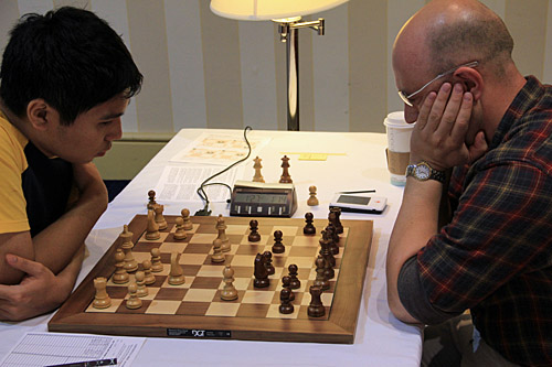 GM Wesley So vs. GM Alexander Shabalov, 1/2. Photo by Daaim Shabazz.