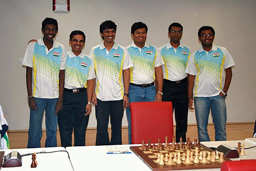 Team India: IM B. Adhiban, GM Krishnan Sasikiran, GM Pentala Harikrishna, GM Surya Ganguly, GM Geetha Gopal, GM Arun Prasad