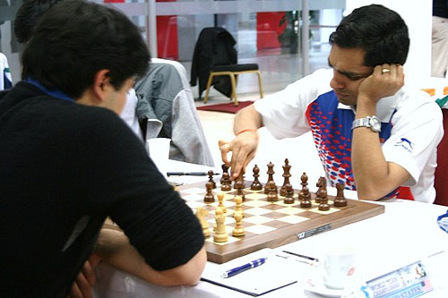 GM Hikaru Nakamura faces off against GM Krishnan Sasikiran in a board one battle.